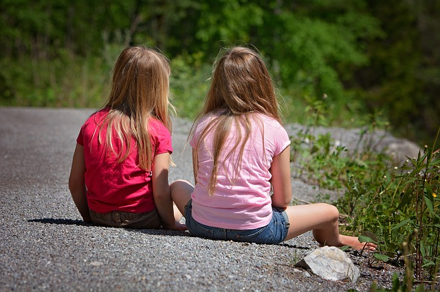 dívky s dlouhými vlasy