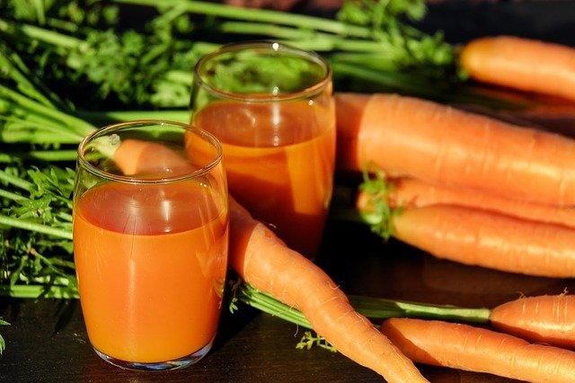 čerstvá mrkvová šťáva
