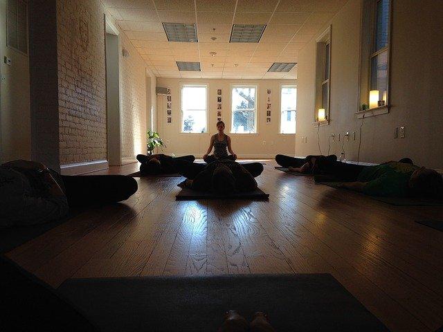 hromadná meditace.jpg