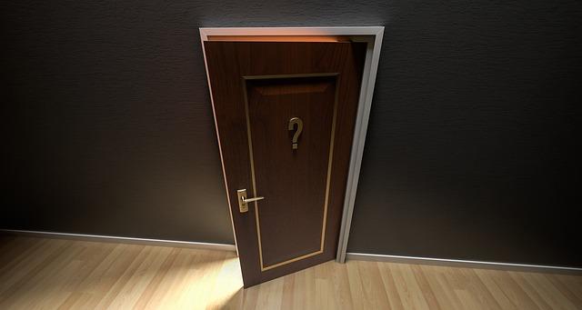 otazník na dveřích